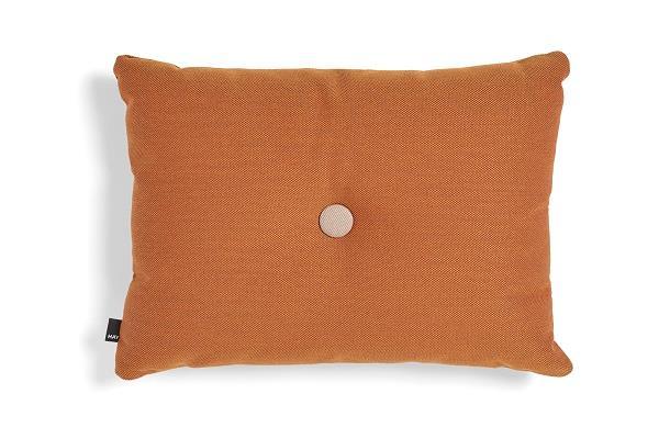 Køb online DOT Cushion Steelcut pude fra HAY