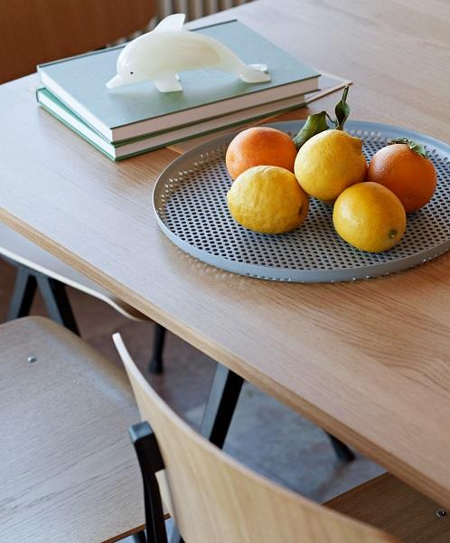 Bakke Perforated tray fra HAY