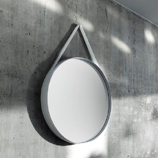 rundt spejl med rem Strap rundt spejl fra HAY rundt spejl med rem